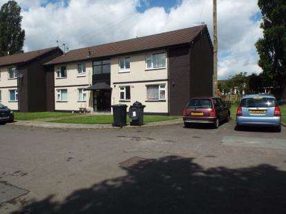 1 Bedroom Flat for sale in Padiham Close, Bury, Greater Manchester, BL9
