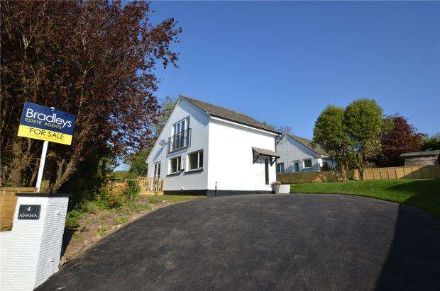 4 Bedrooms Detached House for sale in Pendean Drive, Liskeard, Cornwall