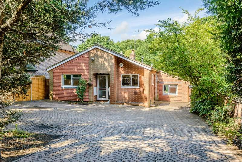 3 Bedrooms Detached Bungalow for sale in Weybridge