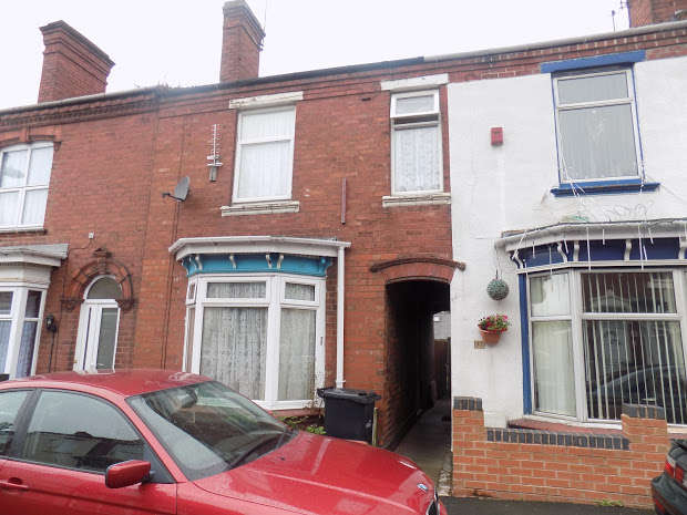3 Bedrooms Terraced House for sale in Adelaide Street, Brierley Hill, DY5