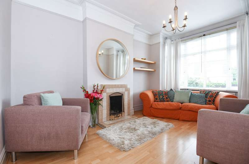 2 Bedrooms Maisonette Flat for sale in Morden Road, Wimbledon, SW19