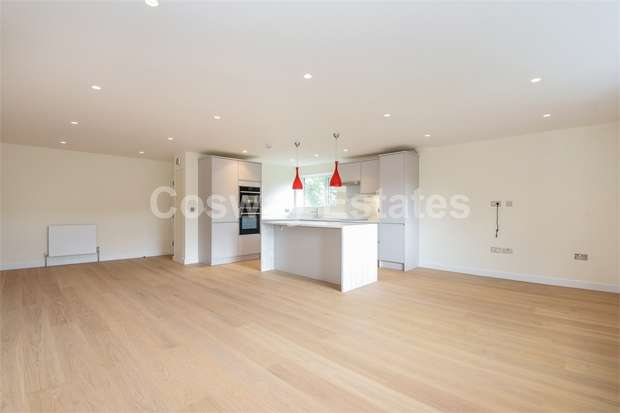 2 Bedrooms Flat for sale in Victoria Road, London