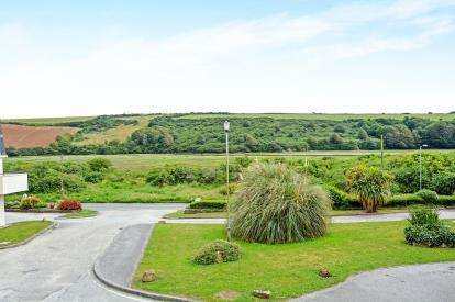 2 Bedrooms Flat for sale in Newquay, Cornwall, England