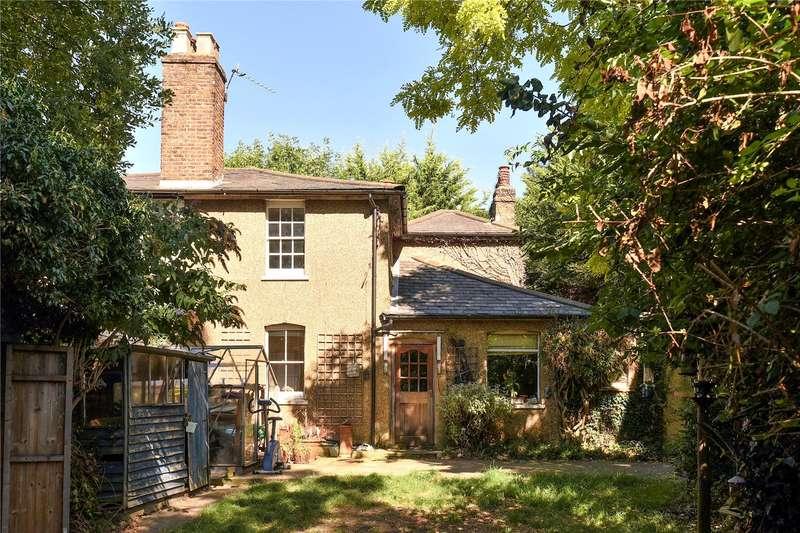 3 Bedrooms Semi Detached House for sale in Hillingdon Road, Uxbridge, Middlesex, UB10