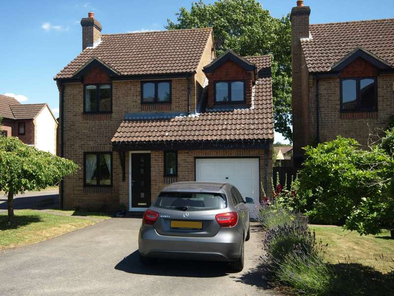 4 Bedrooms Detached House for sale in Old School Close, Caversfield