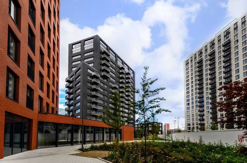 2 Bedrooms Flat for sale in London City Island, Docklands, E14