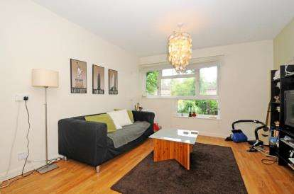 1 Bedroom Flat for sale in Chislet Close, Beckenham