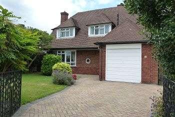 3 Bedrooms House for sale in Tregaron Avenue, Drayton, Portsmouth, PO6 2JX