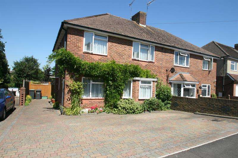 4 Bedrooms Semi Detached House for sale in Maylands Road, Havant