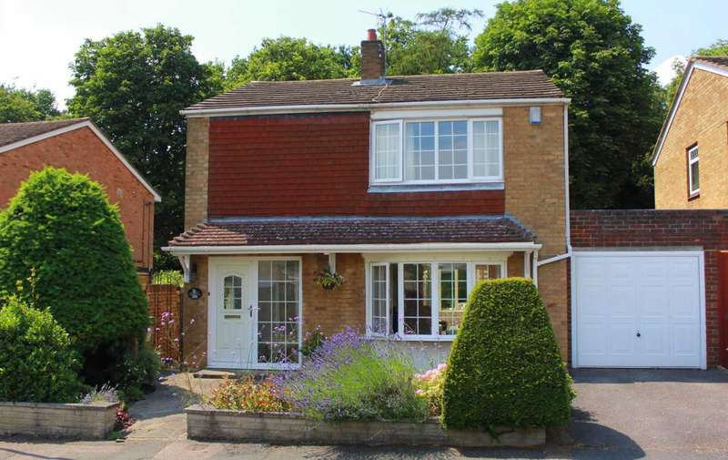 3 Bedrooms Detached House for sale in 3 OR 4 BED DETACHED IN HP2