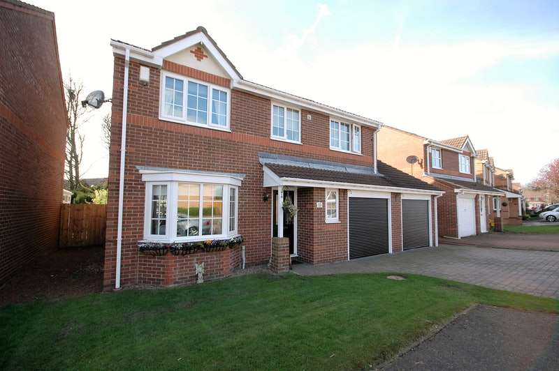 4 Bedrooms Detached House for sale in Brightlea, Chester Le Street, Tyne and Wear, DH3
