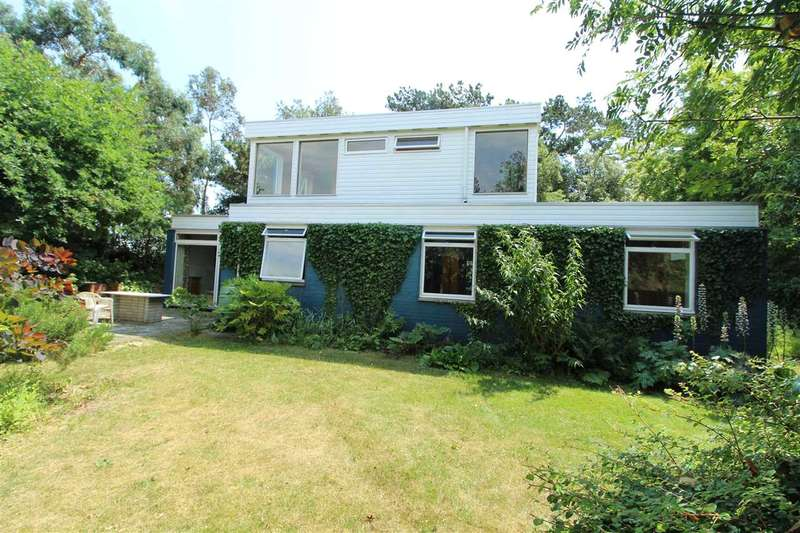 3 Bedrooms Detached House for sale in Sussex Road, Lexden, Colchester