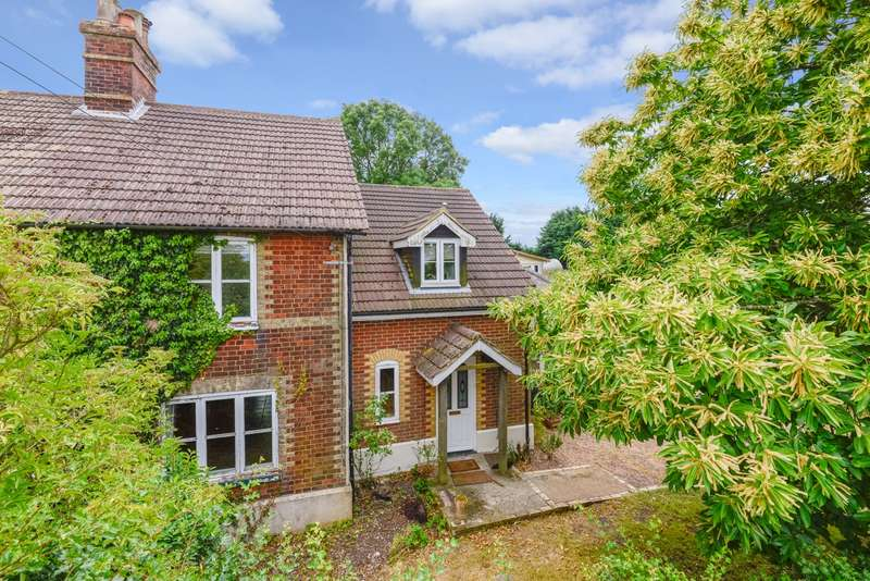 4 Bedrooms Semi Detached House for sale in Down Court Cottage, Down Court Road, Doddington, ME9