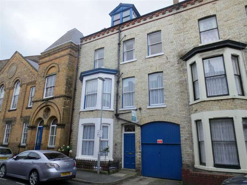 3 Bedrooms Apartment Flat for sale in Belle Vue Parade, Scarborough