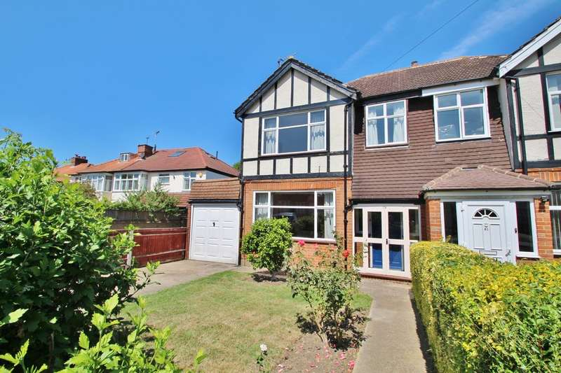 3 Bedrooms Semi Detached House for sale in Beresford Avenue, Surbiton