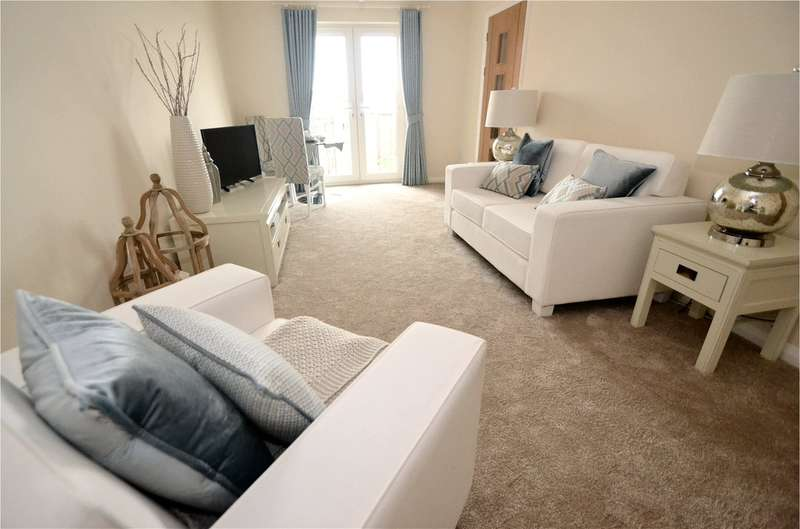 1 Bedroom Flat for sale in Woodgrove Court, Peter Street, Hazel Grove SK7 4BQ