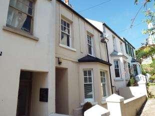1 Bedroom Flat for sale in Sea View Terrace, Wellington Place, Sandgate, Folkestone
