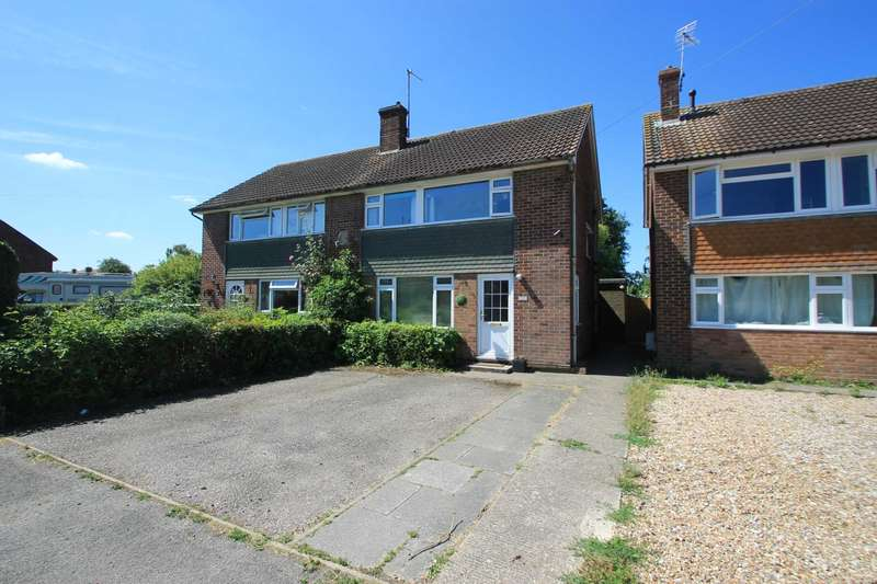 3 Bedrooms Semi Detached House for sale in Glebe Close, Pitstone, Buckinghamshire