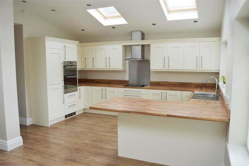 3 Bedrooms Semi Detached House for rent in Worsley Road, Worsley, Manchester,