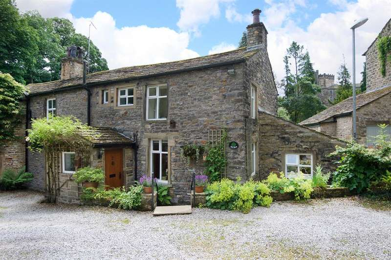 3 Bedrooms Semi Detached House for sale in The Woods, Skipton