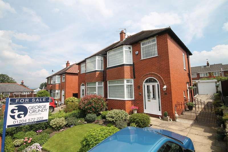 3 Bedrooms Semi Detached House for sale in Corrie Drive, Kearsley, Bolton, BL4 8RG