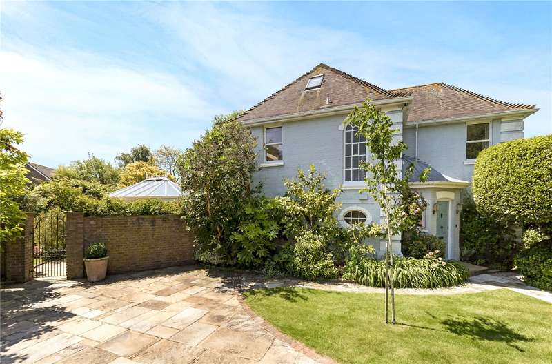4 Bedrooms Detached House for sale in Barrack Lane, Aldwick, West Sussex, PO21