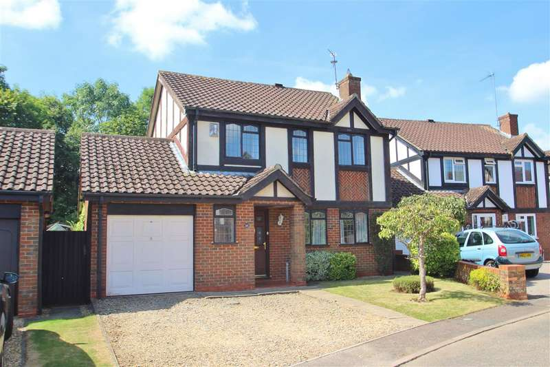 4 Bedrooms Detached House for sale in Kestrel Way, Buckingham