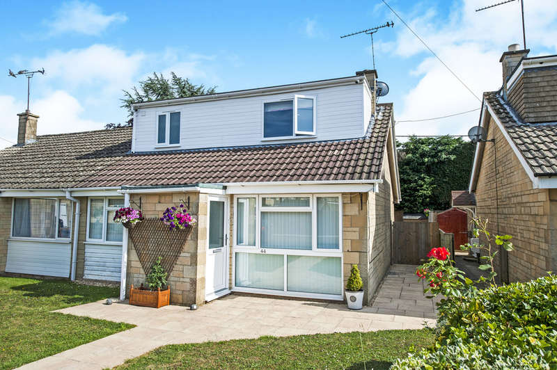 3 Bedrooms Semi Detached Bungalow for sale in Aldsworth Close, Fairford