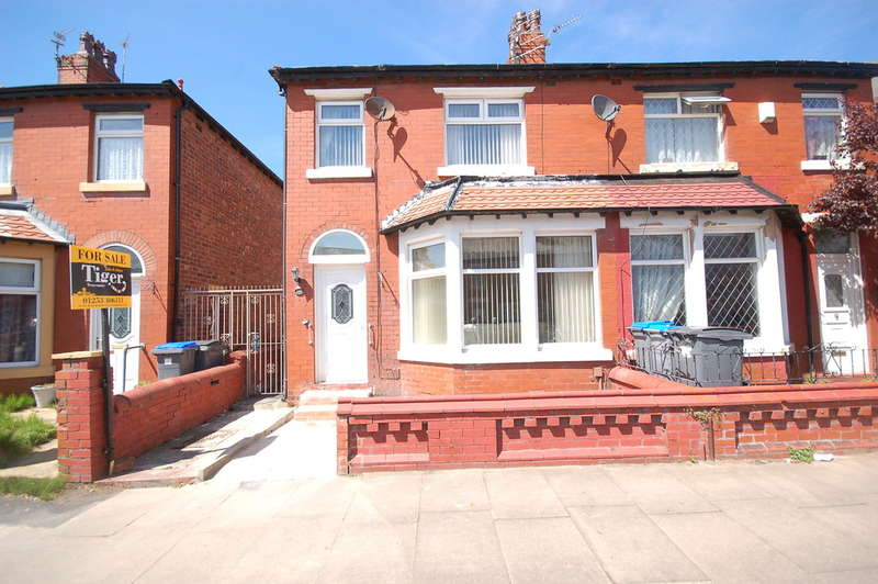 3 Bedrooms Semi Detached House for sale in Bloomfield Road, Blackpool