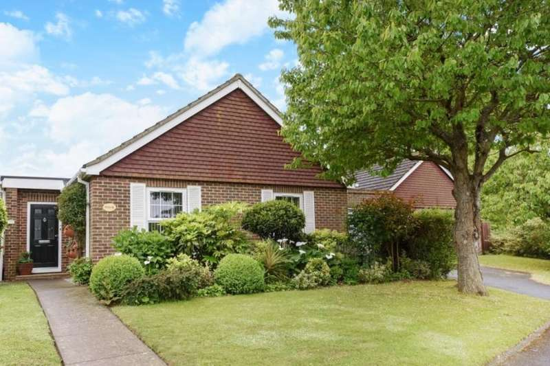 3 Bedrooms Detached Bungalow for sale in Barrack Lane, Bognor Regis, PO21