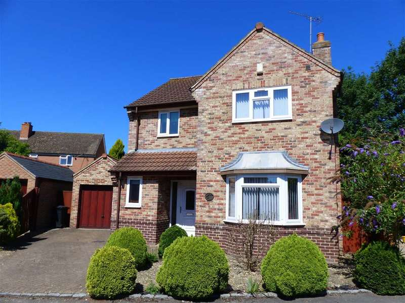 3 Bedrooms Detached House for sale in Malt House Close, Alvington, Lydney