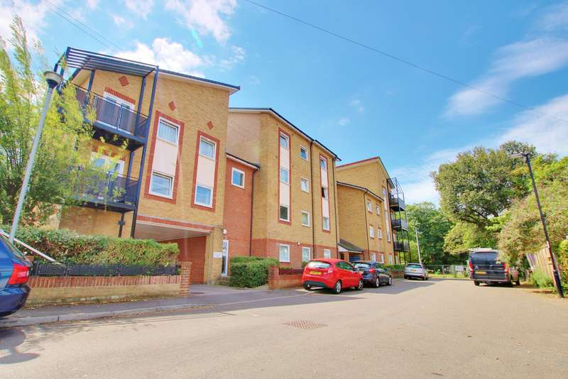 2 Bedrooms Ground Flat for sale in Vespasian Road, Southampton