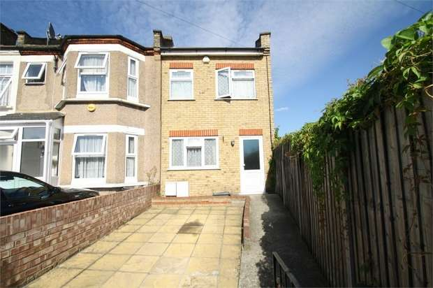 3 Bedrooms End Of Terrace House for sale in Uphall Road, Ilford, Essex