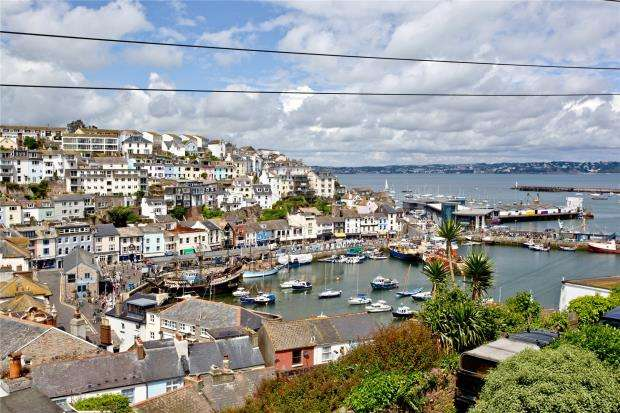 3 Bedrooms Terraced House for sale in North View Road, Brixham, Devon