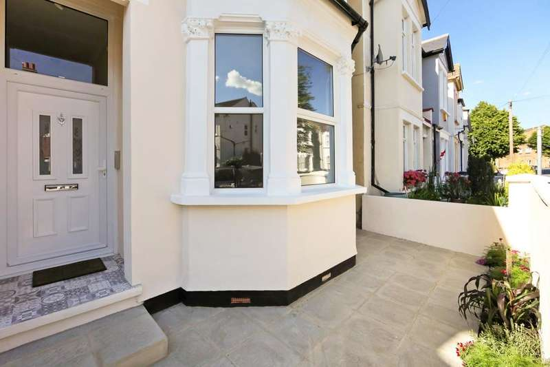 5 Bedrooms End Of Terrace House for sale in Devonshire Road, London SW19