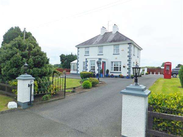 5 Bedrooms Detached House for sale in 147 Lisnagole Road