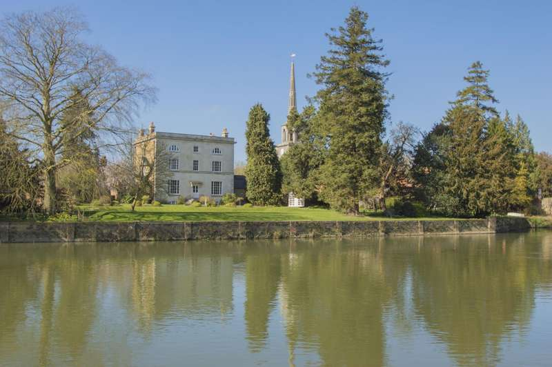 3 Bedrooms Town House for sale in Bridge House, Thames Street, Wallingford, OX10