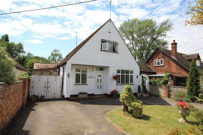 4 Bedrooms Detached House for sale in Saint Patrick's Avenue, Charvil, Reading, RG10
