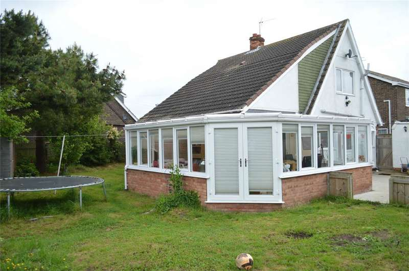 3 Bedrooms Detached House for sale in Chapel Garth, Skipsea, East Riding of Yorkshire