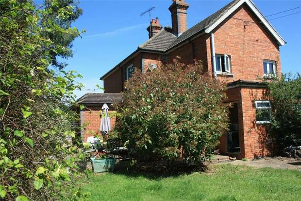 3 Bedrooms Semi Detached House for sale in Godstone, Surrey