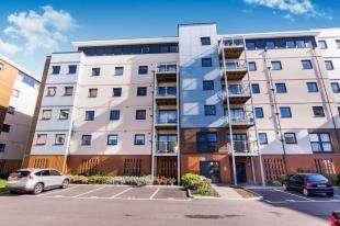 3 Bedrooms Flat for sale in Standen House, 4 Groombridge Avenue, Eastbourne, East Sussex