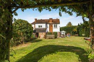 4 Bedrooms Detached House for sale in Lower Road, East Farleigh, Maidstone, Kent