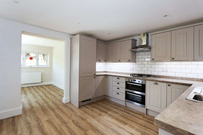 3 Bedrooms Terraced House for sale in Church Street, Warnham