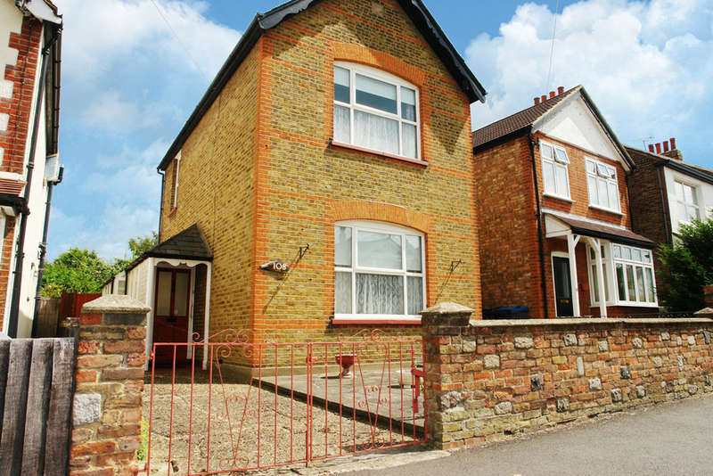 3 Bedrooms Detached House for sale in Douglas Road, Surbiton