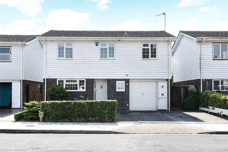 3 Bedrooms Detached House for sale in Pond Close, Harefield, Uxbridge, Middlesex, UB9