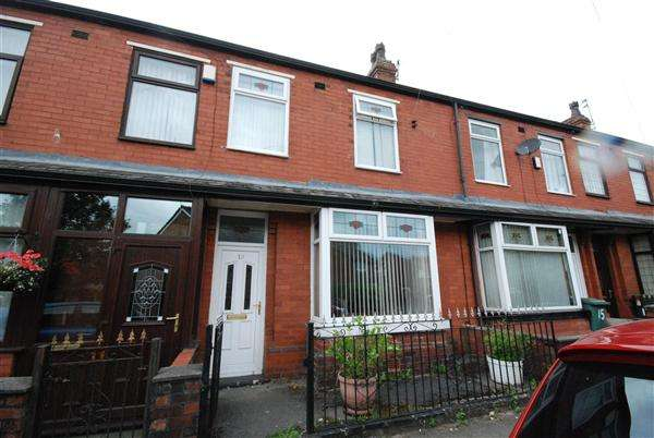 3 Bedrooms Terraced House for sale in Nellie Street, Rochdale