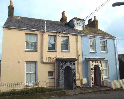 2 Bedrooms Flat for sale in Newlyn, Penzance, Cornwall