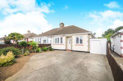 2 Bedrooms Bungalow for sale in Southend-On-Sea, Essex