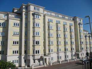 House for sale in The Mansions, 23 Compton Street, Eastbourne, East Sussex
