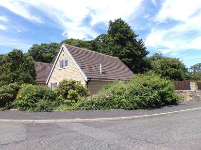 3 Bedrooms Detached House for sale in Thanet Lee Close, Cliviger, Burnley, Lancashire, BB10